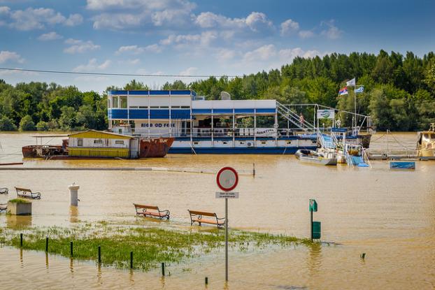 Kan översvämmande vägar och hus under vatten bli en allt vanligare syn?