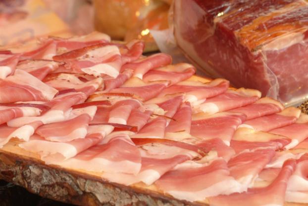 City Gross är första dagligvaruhandel att KRAV-certifiera allt kött.